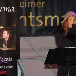 Carina Henkel von Fine Carma singt Weihnachtslieder